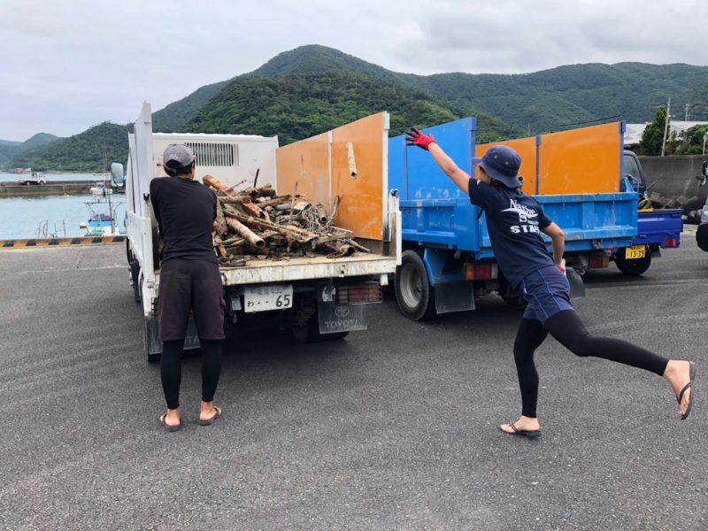 町内の港を清掃!!